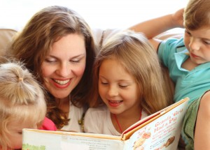 Mom-and-Kids-Reading